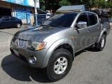 Foto Mitsubishi L200 pick-up