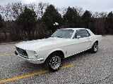 Photo 1967 Ford Mustang White garaged