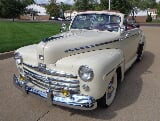 Photo 1947 ford deluxe convertible