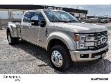 Photo Used 2017 Ford F450 4x4 Crew Cab Super Duty...