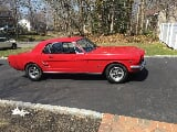 Photo 1966 Ford Mustang Coupe red