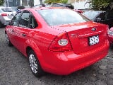 Foto Ford Focus Sedan Ambiente 5vel Mt 2011