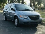 Foto Camioneta Chrysler Town & Country